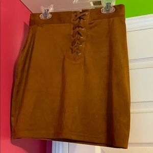 A cute brown skirt good for pictures and outing
